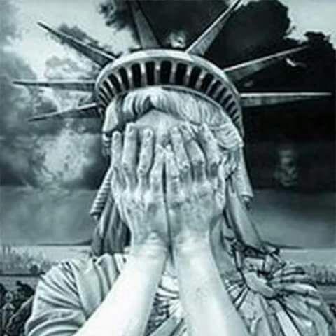 La Libertad, aterrorizada ante el deterioro de la democracia americana
