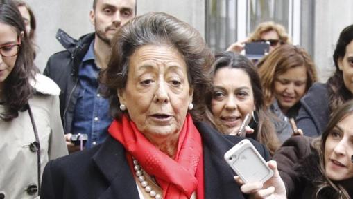 Avejentada y deshecha, Rita Barberá muere a los 68 años