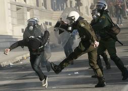 Los jóvenes griegos se rebelan contra la clase política