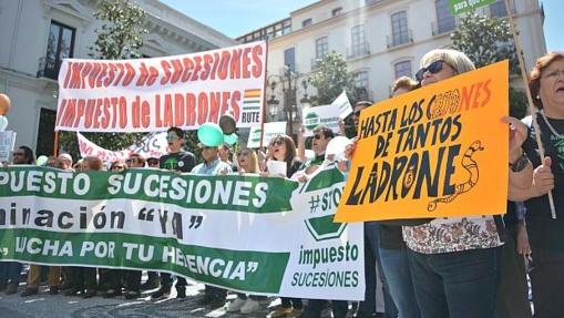 Manifestación contra el impuesto en Granada