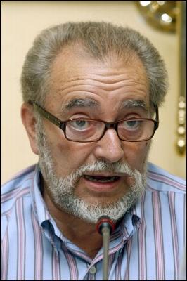 Atención al mensaje de Julio Anguita, un político honrado