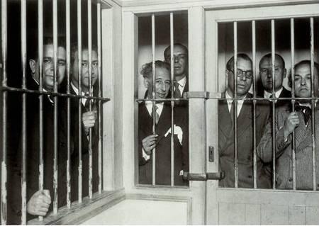 Únicamente el juicio y condena de Puigdemont y sus secuaces acabará con el drama