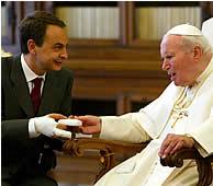 El papa, firme ante ZP
