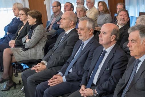 Sánchez se aleja con su gobierno del socialismo corrupto, sectario y caduco que se ha atiborrado de corrupción y fracaso