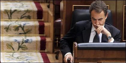 Si Zapatero dimitiera, tal vez sería perdonado por los españoles, pero si se aferra al poder, debería ser castigado