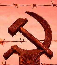 El comunismo, el peor enemigo de España, está a punto de devorarnos