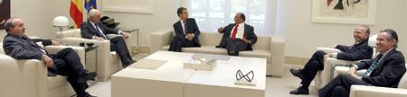 Zapatero debería anunciar su dimisión a los 30 grandes empresarios españoles
