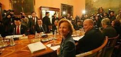 La España de Zapatero continúa lamiendo las botas a los poderosos del mundo