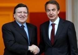 Zapatero, descarado e inconsecuente, exige a Egipto la democracia que España no tiene