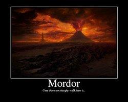 """Se sube la falda y enseña algo parecido a """"Mordor"""" (humor duro y poco ortodoxo)"""
