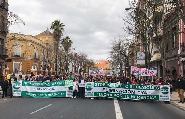Comprobado: la lucha contra el Impuesto de Sucesiones ha tumbado a Susana y al socialismo andaluz