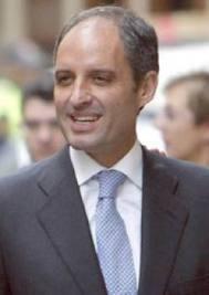 Mas dimisiones, más limpieza, más chorizos fuera de la política española