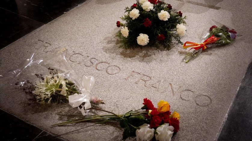 La exhumación de Franco, una inmensa estupidez consentida por un pueblo de cobardes