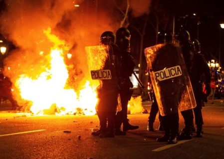 La violencia de los catalanes rebeldes amenaza la esperada victoria socialista en el 10 de noviembre