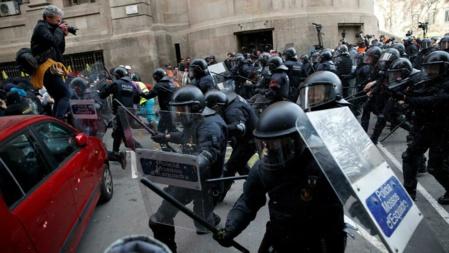 El gobierno oculta la gravedad de la rebelión catalana para ganar las elecciones