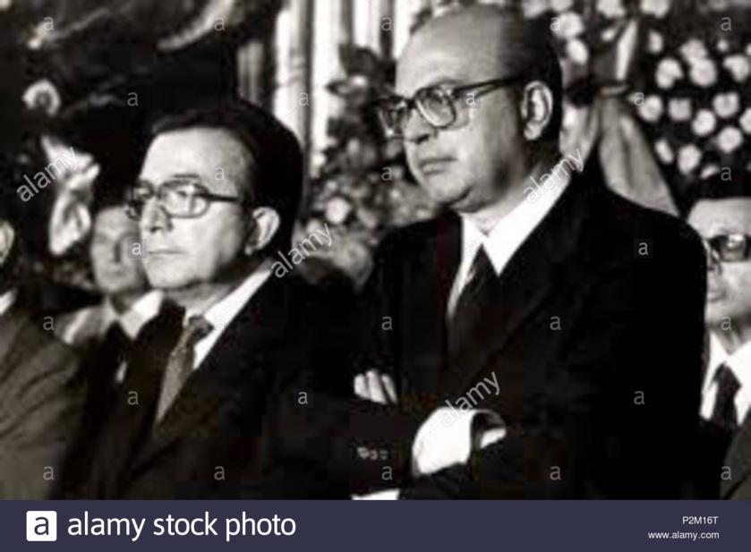 """Giulio Andreotti, democristiano, y Bettino Craxi, socialista, dos víctimas de la rebelión de jueces y fiscales italianos contra los políticos corruptos, conocida como """"Manos Limpias"""""""