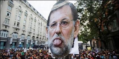 Rajoy no cuenta, como afirma, con el apoyo de la mayoría, sino con el rechazo masivo de los españoles