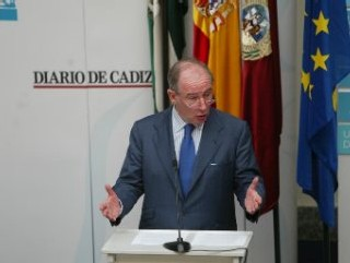 Rodrigo Rato se niega a hablar de política española