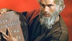 Dios regresa al cine, pero no al mundo