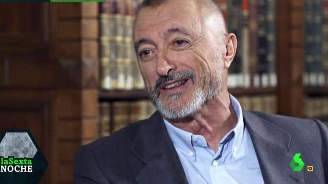"""Pérez-Reverte, sobre Sánchez: """"Es un 'killer', los ha matado a todos, y a los que no ha matado los va a matar"""""""