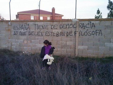España tiene de democracia lo que Belén Esteban de filósofa