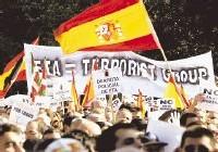 Una manifestación sin banderas
