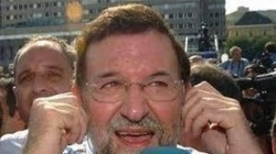 El sordo Rajoy, desprestigiado, fracasado y rechazado
