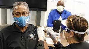 Es Estados Unidos, farmacias y supermercados participan con gran éxito en la  campaña de vacunación