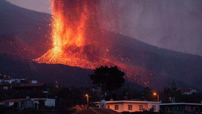 Sanches y el rey prometen ayuda a las víctimas del volcán, pero son ridículas comparadas con las que recibe Marruecos