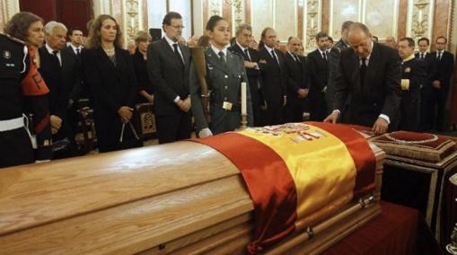 ¡¡¡ Hipócritas, si de verdad queréis honrar a Suárez, aprended a ser tan decentes como él !!!