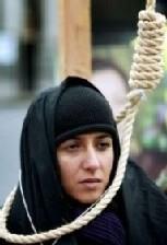mujer iraní en la horca