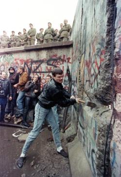 La caída del Muro de Berlín y el comienzo de la lucha del ciudadano contra el Estado