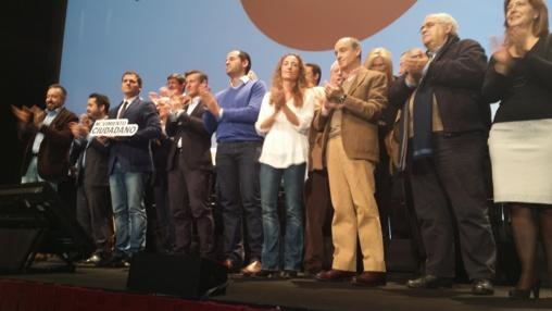 """La artillería anti-""""Podemos"""" no frena el ascenso del partido y beneficia también a """"Ciudadanos"""""""
