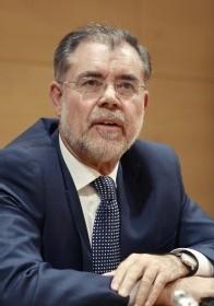 La 'Batalla de las Banderas' sumerge a la democracia española en las cloacas