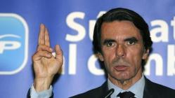 El PP, miedoso ante el futuro, saca a Aznar del baul para que los salve