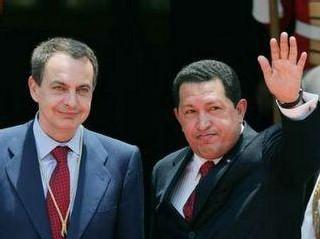 Muchos de los poderes que reclama hoy el venezolano Chávez ya los ejerce Zapatero