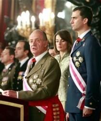 El rey se distancia del 'zapaterismo' gobernante