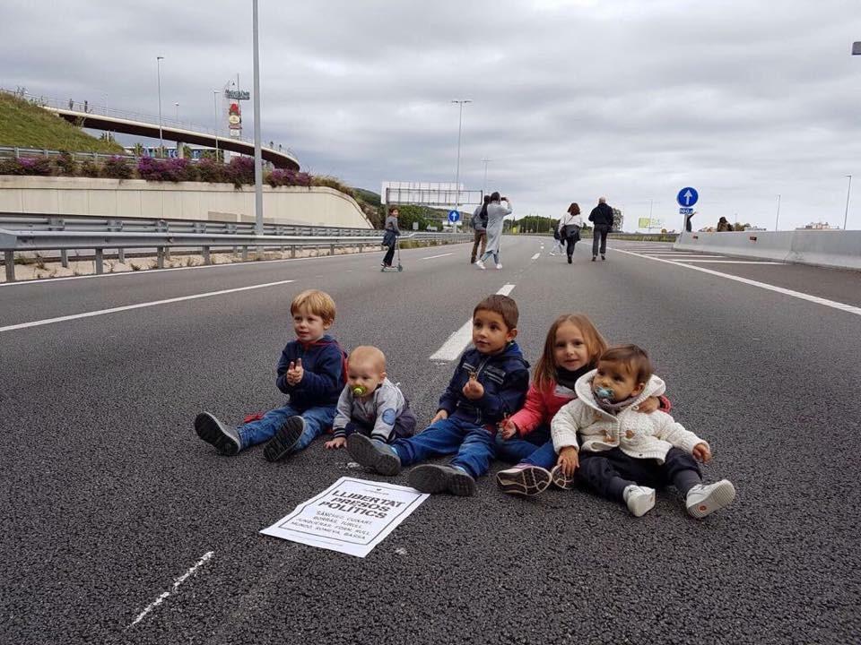 Una imagen que recorrerá el mundo exhibiendo el alma abyecta de una parte del independentismo catalán