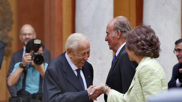 Manuel Olivencia, dotado de lealtad, valor y servicio al Estado