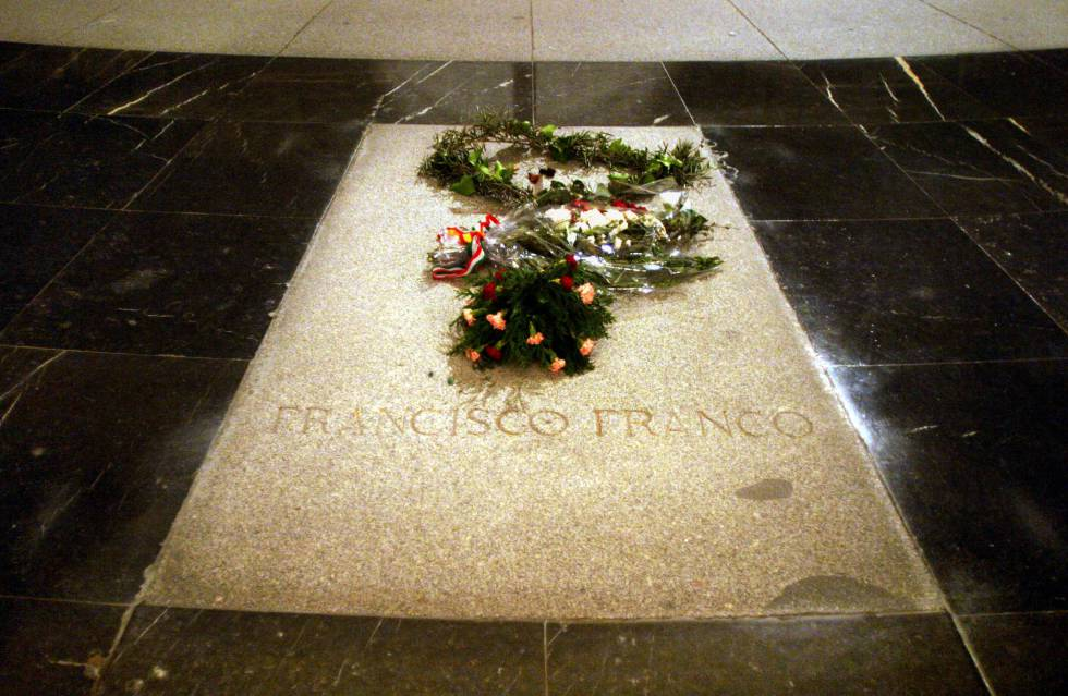 Profanadores de tumbas y asesinos de la paz