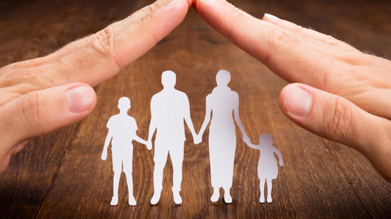 El camino no es aplastar al hombre con una ley injusta, sino proteger a toda la familia