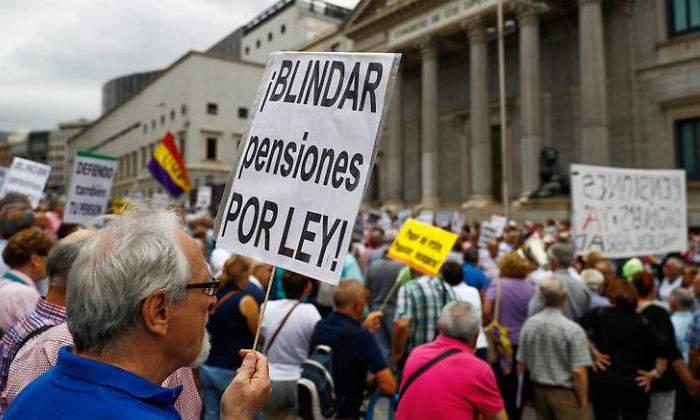 ¿Garantizar las pensiones o mantener a los parásitos?