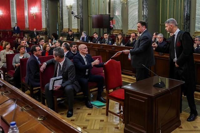 Quieren convertirlo en un juicio a España