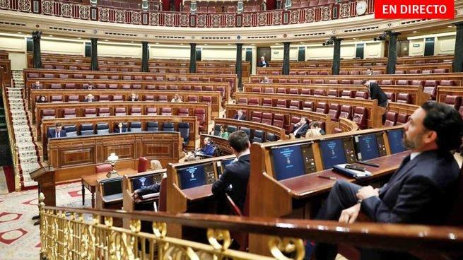 Pocos asistentes y sin mascarillas ni guantes. Mal ejemplo de los políticos en la sesión del 18 de marzo.