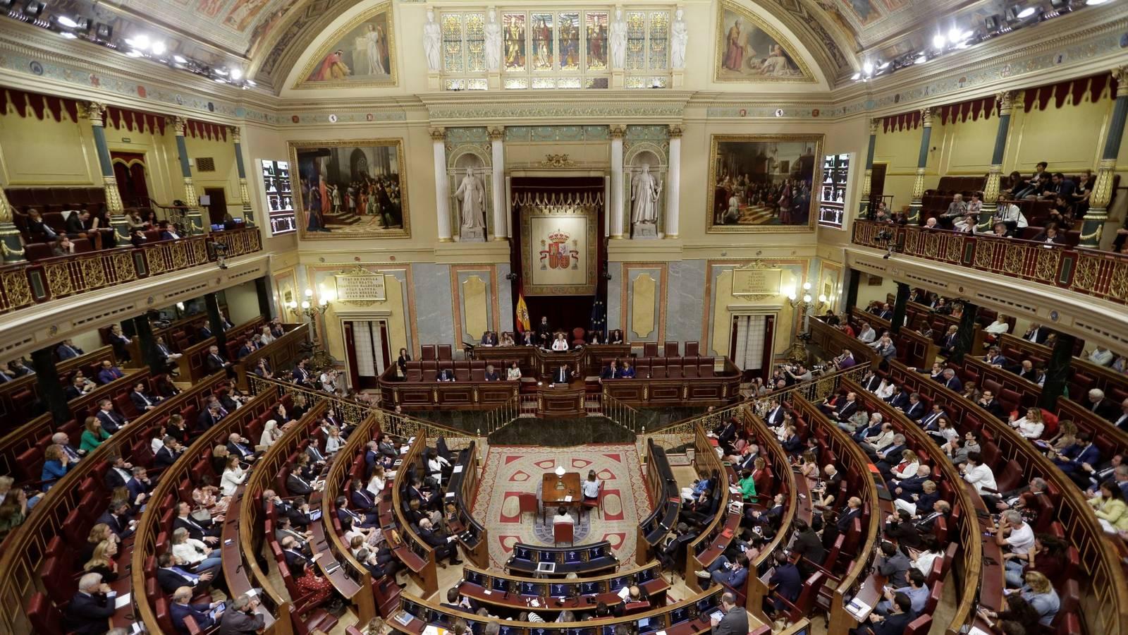 Demasiados privilegios y demasiados aforados en España, el gran paraíso mundial de los políticos