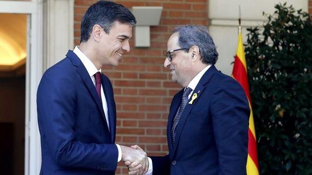 Sonrsas sin escrúpulos y alianzas con cualquiera que apoye su poder, incluso si es un enemigo de España