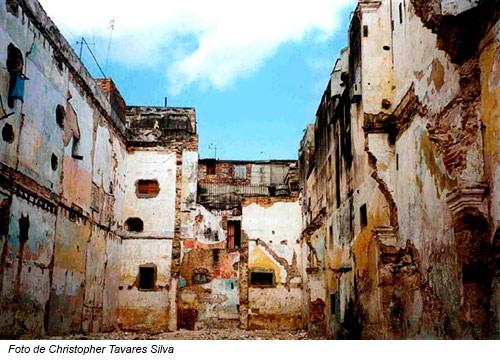 Las ruinas de las ciudades cubanas, que se caen a pedazos, constituyen otro argumento imbatible que demuestra que el socialismo es muerte, esclavitud y pobreza