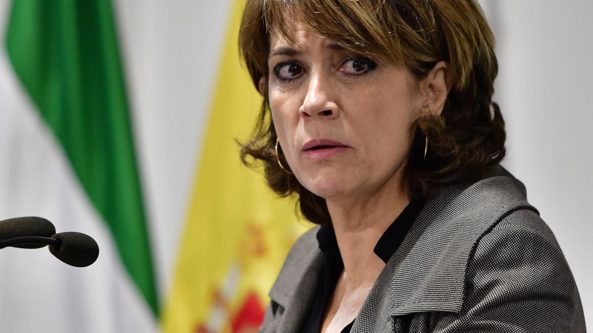 Ya domina la Fiscalía y la Abogacía del Estado y ahora va a por los jueces y magistrados. Sánchez parece desear para él todo el poder, sin límites democráticos