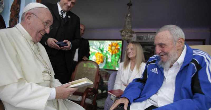 Risas entre el papa y el tirano, letales para la Iglesia Católica