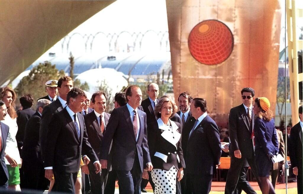 El rey Juan Carlos y el presidente del gobierno, Felipe González, siempre hablaron de la Expo como una apuesta transformadora de la ciudad sede y de España